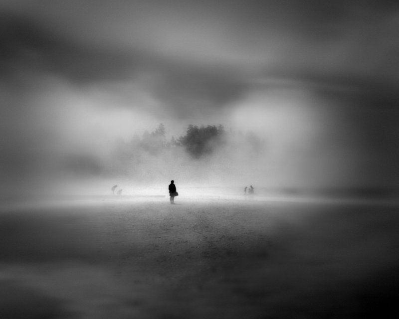 man_in_the_fog____by_reddog54